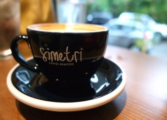 Gratis Coffee Latte di Simetri Coffee